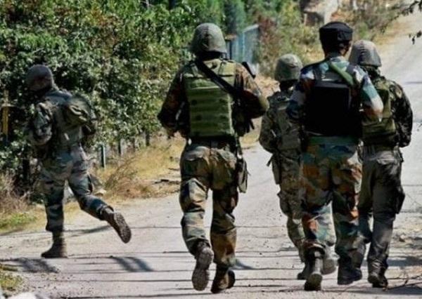जम्मू-कश्मीर के कुलगाम में आ'तंकी हम ...